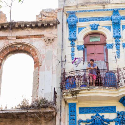 cuba-streets-old building